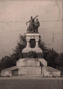 Monumentul eroilor sanitari - bucuresti centenar